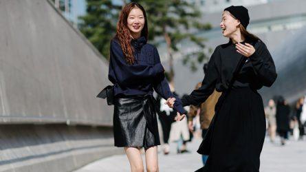 """Cuộc """"đối đầu"""" giữa 2 xu hướng thời trang: chân váy dài hay chân váy mini?"""