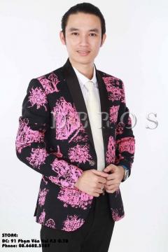 Áo vest đen phố hồng