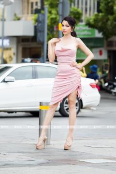 Đầm Cổ Đổ Nhún Hông